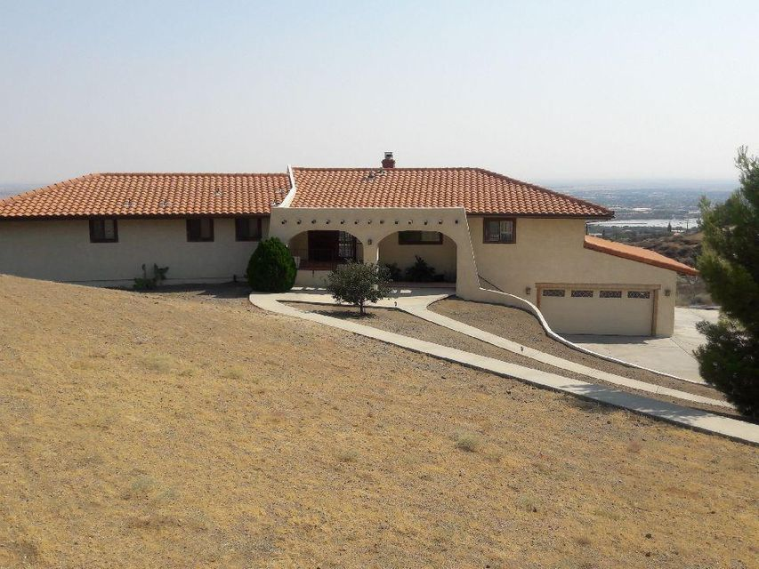 1055  Lakeview Drive, Palmdale, California