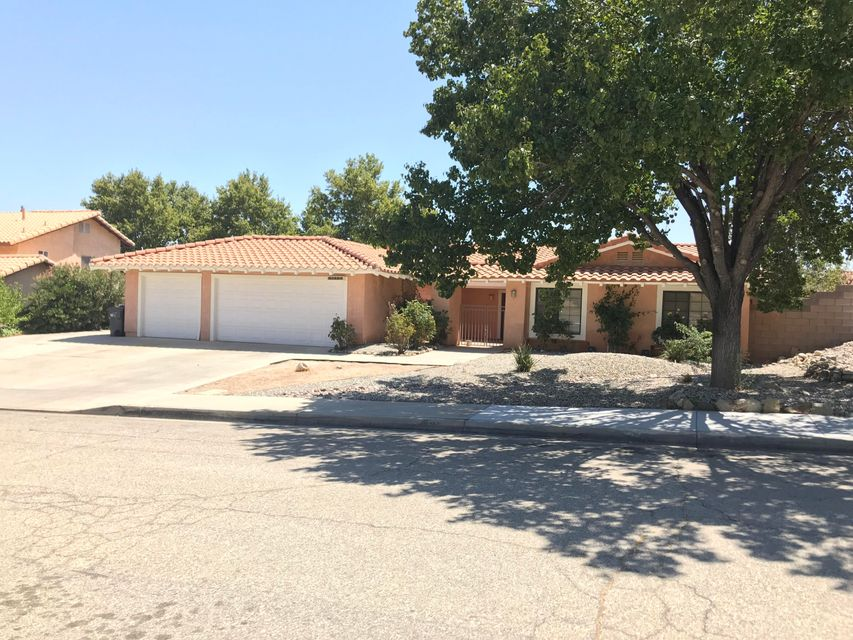 41404  Myrtle Street, Palmdale in Los Angeles County, CA 93551 Home for Sale