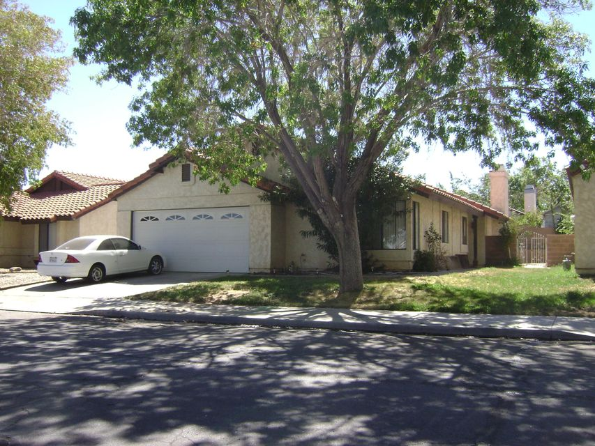 3218 E Avenue S1, Palmdale in Los Angeles County, CA 93550 Home for Sale
