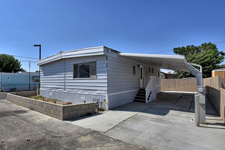 3157 E Ave I, Lancaster in Los Angeles County, CA 93535 Home for Sale