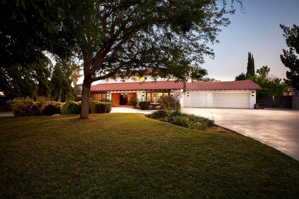 1140 W Lancaster Boulevard, Lancaster, California