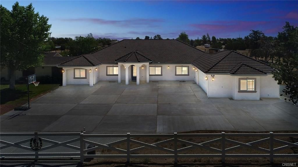40316 W 18th Street, Palmdale, California