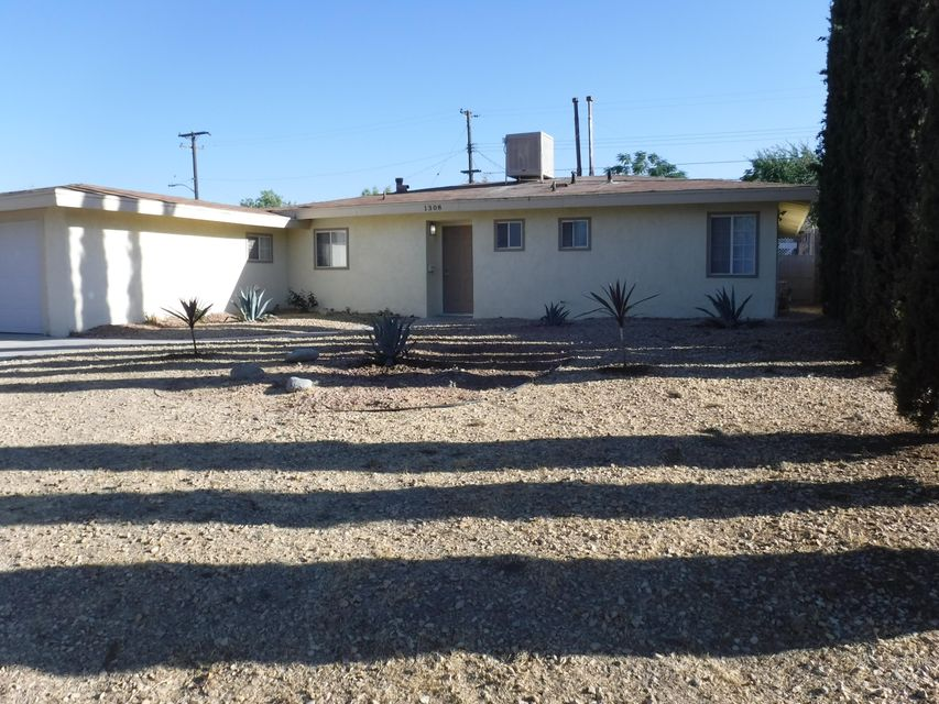 1308 W Avenue P-14, Palmdale in Los Angeles County, CA 93551 Home for Sale