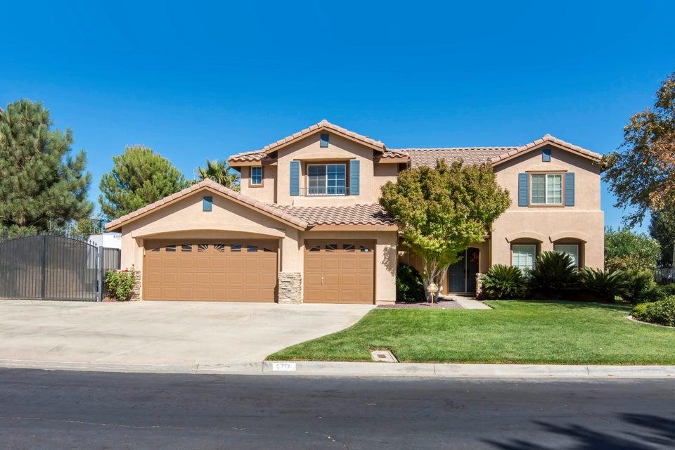 5717  Bienveneda, Palmdale, California