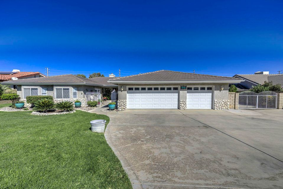 6327  Giovanni Way, Palmdale, California