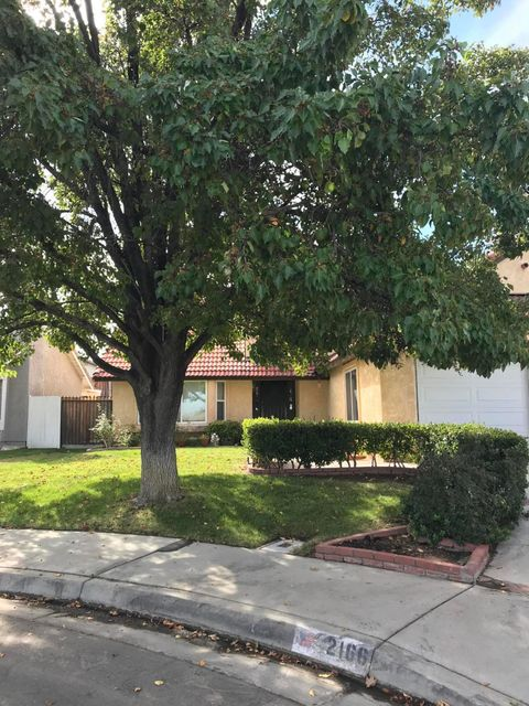 2166  Sandstone Court, Palmdale, California