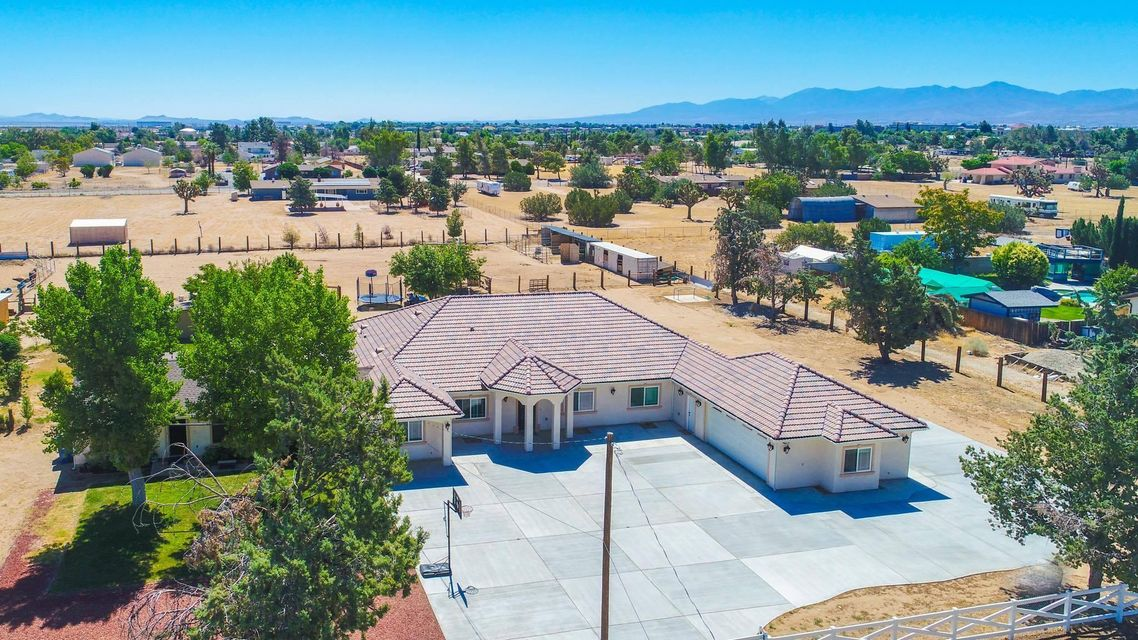 40316 W 18th Street, Palmdale, California
