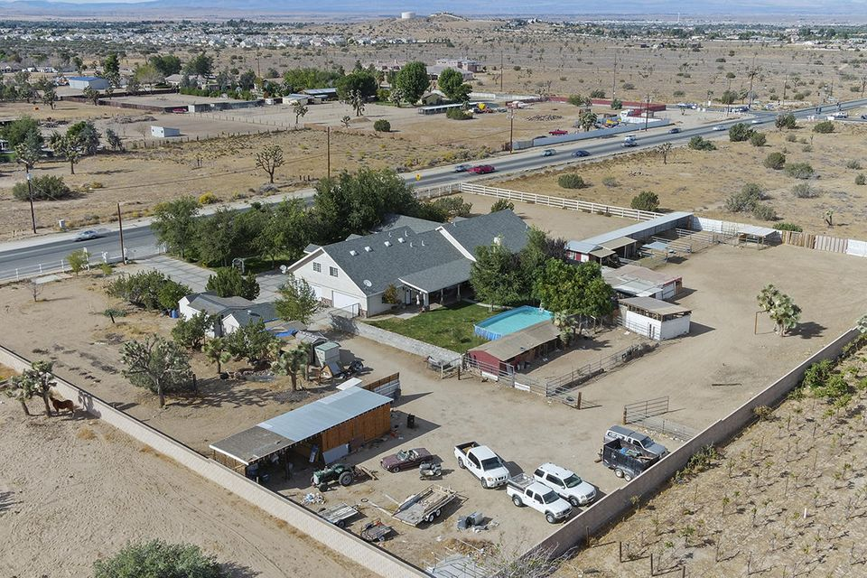 41114 W 30th Street, Palmdale, California