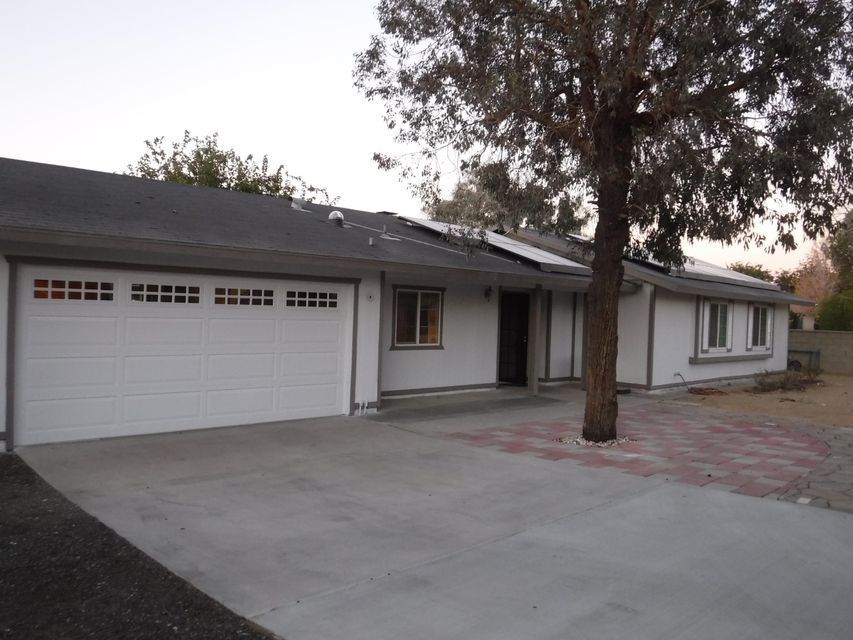 17233  Schollview Avenue, Palmdale in Los Angeles County, CA 93591 Home for Sale
