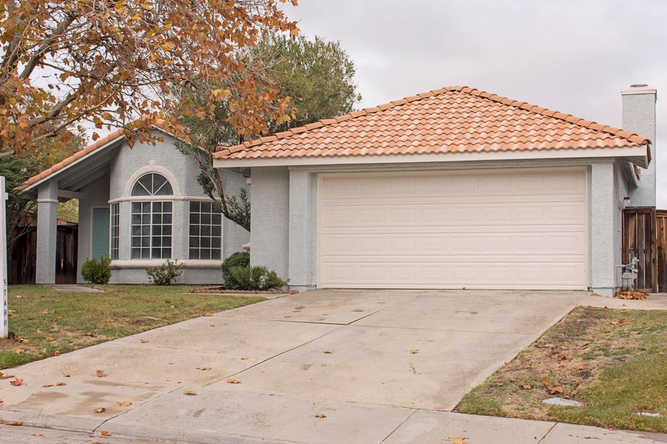 One of Palmdale 4 Bedroom Homes for Sale at 3175  Paxton Avenue