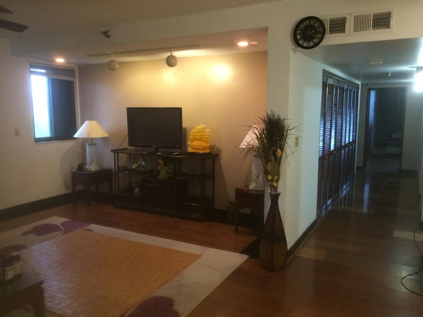 Additional photo for property listing at Fortuna Condo  Casil Street, #a3 Fortuna Condo  Casil Street, #a3 Tamuning, Guam 96913