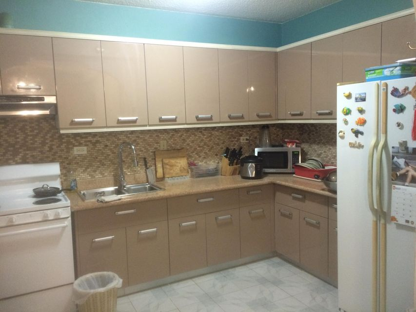 Additional photo for property listing at Fortuna Condo  Casil Street, #a3 Fortuna Condo  Casil Street, #a3 Tamuning, Grupo Guam 96913