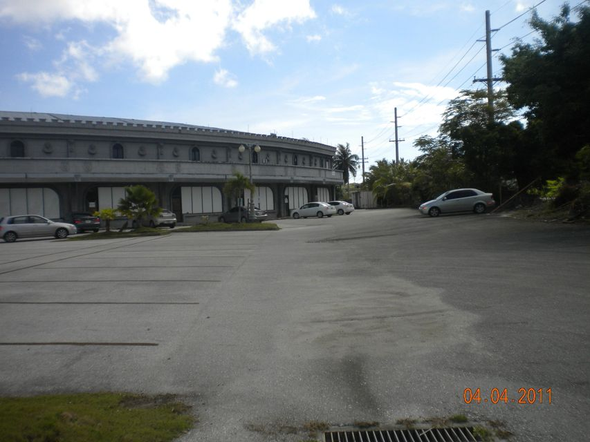 Additional photo for property listing at Castle Mall 130 University Drive, #12 Castle Mall 130 University Drive, #12 Mangilao, 괌 96913