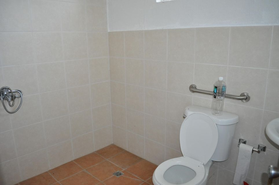 Additional photo for property listing at 556 West Route 8 556 West Route 8 Barrigada, 關島 96913