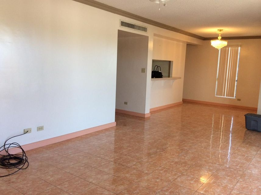 Additional photo for property listing at San Vitores Court Condo 109 Bamba Street, #a9 San Vitores Court Condo 109 Bamba Street, #a9 Tumon, グアム 96913