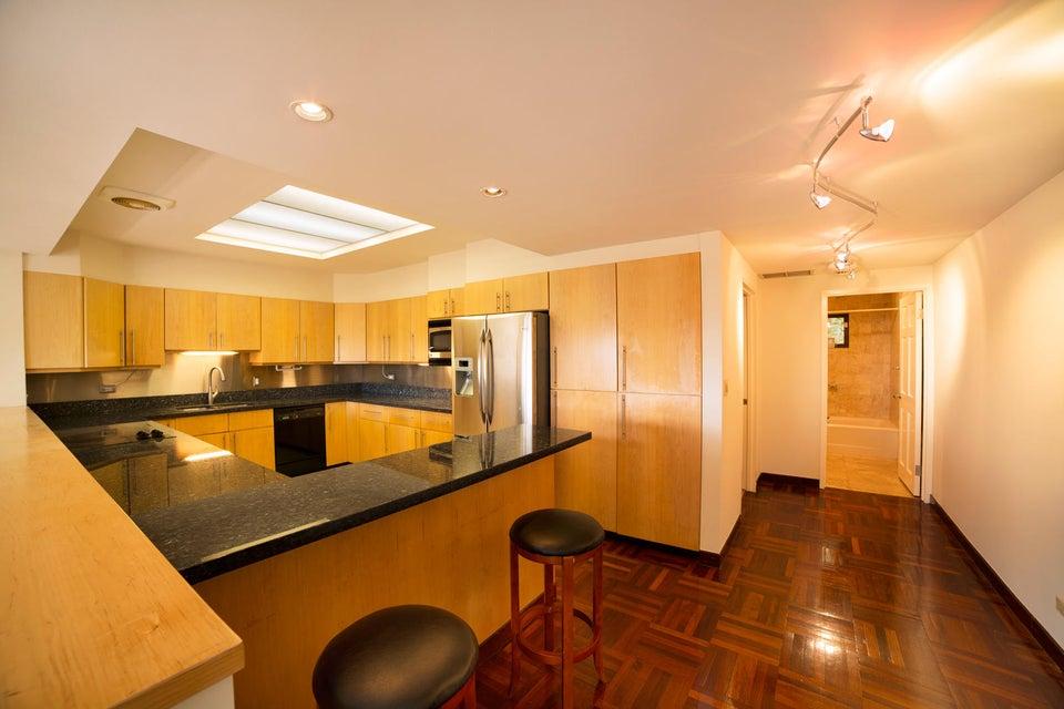 マンション / タウンハウス のために 賃貸 アット Casa De Isa Chichirica , #2 Tumon, グアム 96913