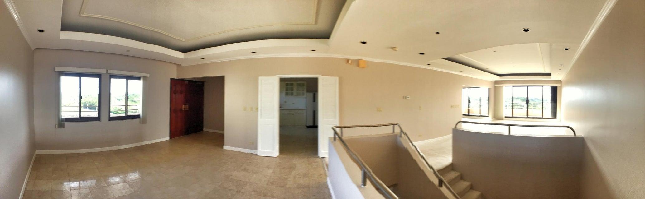マンション / タウンハウス のために 賃貸 アット Holiday Tower Condo 788 Route 4 , #903 Sinajana, グアム 96910