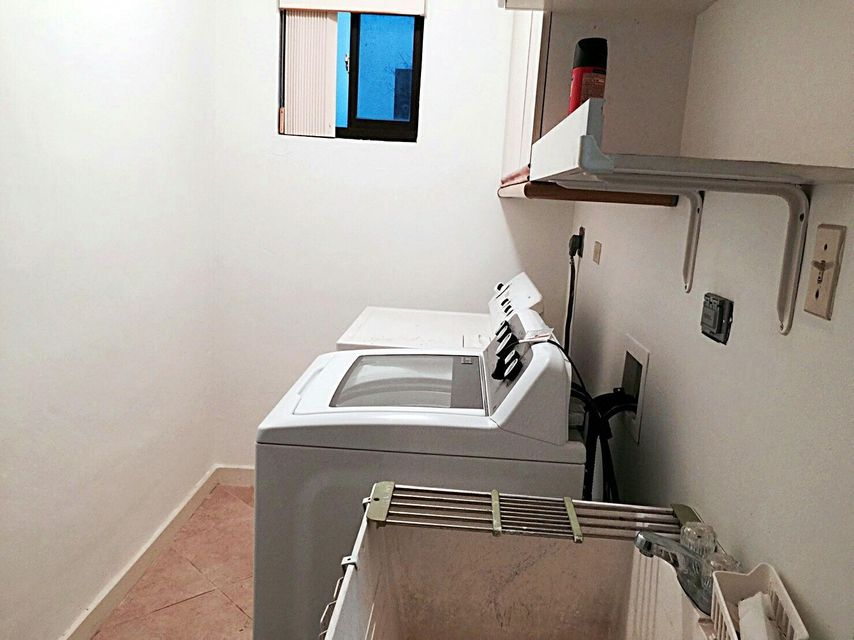 Additional photo for property listing at Summer Palace Townhome  Biradan Anakko 2nd Street, #126 Summer Palace Townhome  Biradan Anakko 2nd Street, #126 Dededo, Grupo Guam 96929