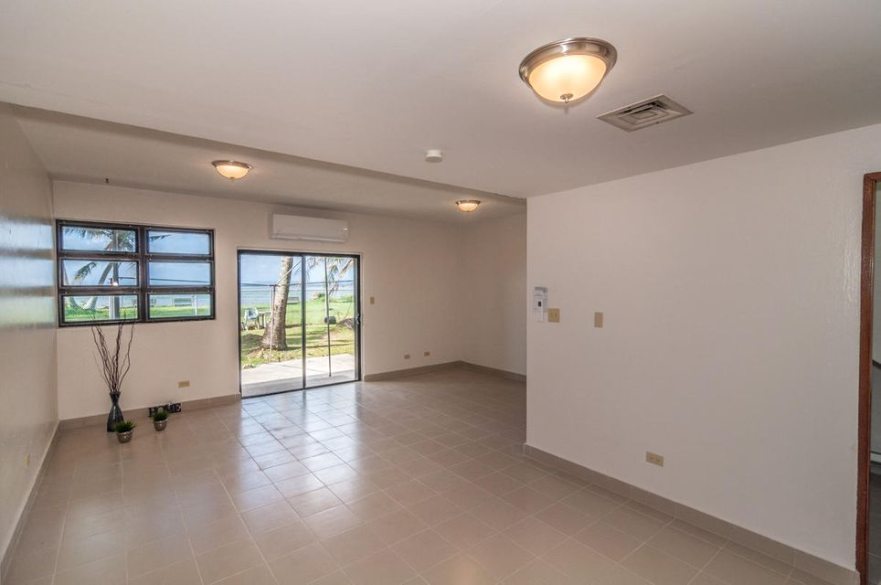 Additional photo for property listing at Lotus Cove Apartments  Marine Dr.  Route 1 , #5 Lotus Cove Apartments  Marine Dr.  Route 1 , #5 Hagatna, 關島 96910