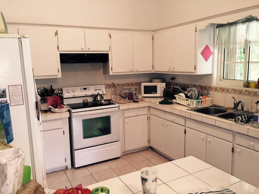 Additional photo for property listing at 455 Sgt. E. Cruz Street 455 Sgt. E. Cruz Street Santa Rita, グアム 96915