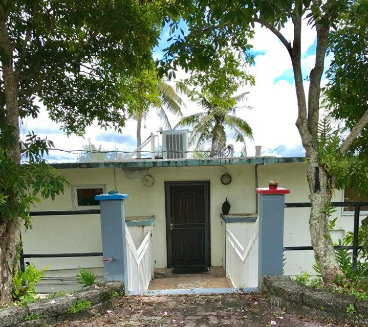 商用 为 出租 在 Cliff Phase Ii Haiguas - Bella Vista Condo Drive, #k9 Cliff Phase Ii Haiguas - Bella Vista Condo Drive, #k9 Agana Heights, 关岛 96910