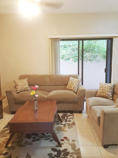 Condominio/ Casa de pueblo por un Venta en Apugan Villa Condo-Hagatna Heights 185 Francisco Javier , #unit C5 Apugan Villa Condo-Hagatna Heights 185 Francisco Javier , #unit C5 Agana Heights, Grupo Guam 96910