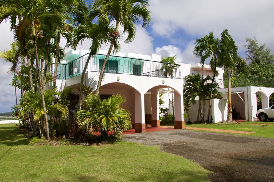 Condominio/ Casa de pueblo por un Alquiler en Not In List-Notify Mls@guamrealtors.Com Isla Vista Terrace - Bello St. Street, #b3 Not In List-Notify Mls@guamrealtors.Com Isla Vista Terrace - Bello St. Street, #b3 Barrigada, Grupo Guam 96913