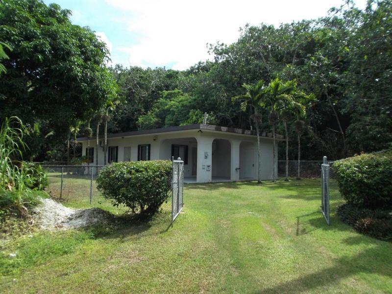 独户住宅 为 出租 在 346 Cruz Heights Ipan 346 Cruz Heights Ipan Talofofo, 关岛 96915