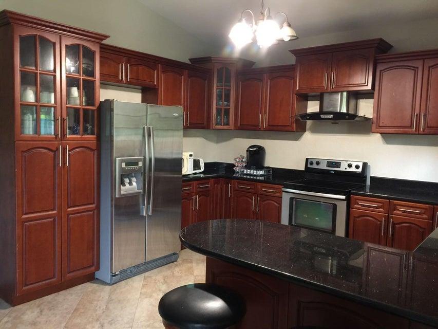 Casa Unifamiliar por un Alquiler en 108b Gotbu Drive 108b Gotbu Drive Yigo, Grupo Guam 96929