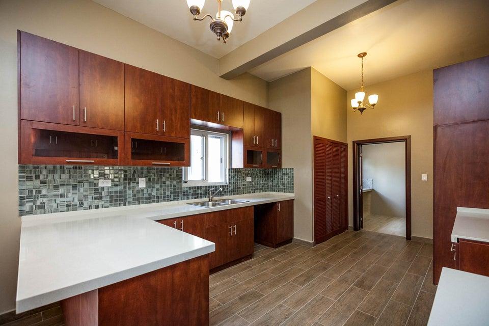 獨棟家庭住宅 為 出售 在 108 Corten Torres Street 108 Corten Torres Street Mangilao, Guam 96913
