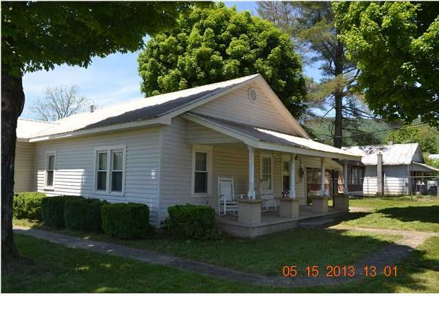 Photo of home for sale at 2290 Lusk, Dunlap TN