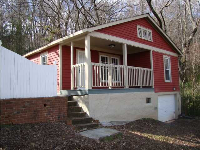Photo of home for sale at 2552 Harrison Pike, Chattanooga TN