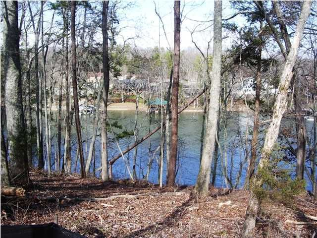 Photo of home for sale at 1730 Bayfront, Soddy Daisy TN