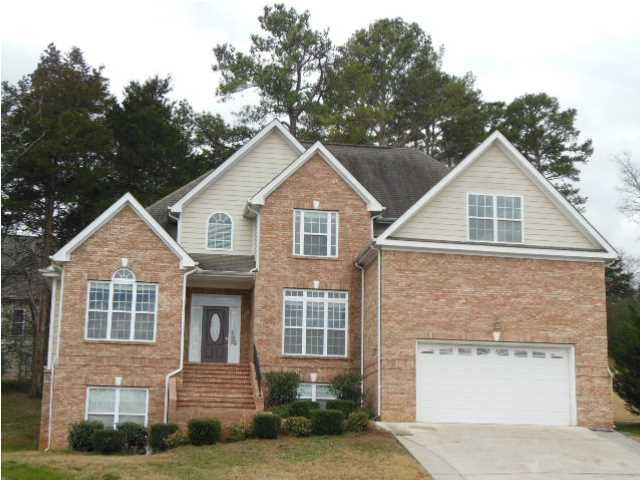 Photo of home for sale at 702 Wisley, Ringgold GA