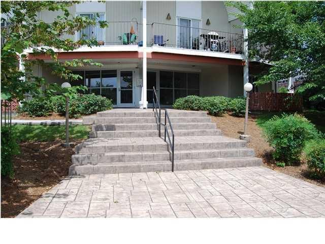 Photo of home for sale at 462 River, Chattanooga TN