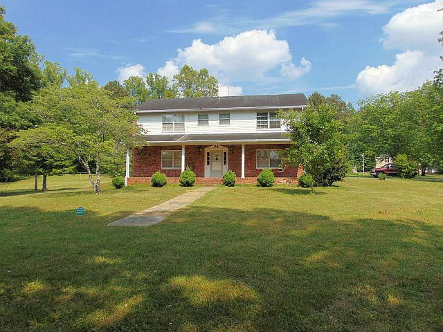 Photo of home for sale at 505 Sleepy Hollow, Lafayette GA