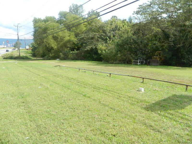 Photo of home for sale at 4924 Ga 136 W, Trenton GA