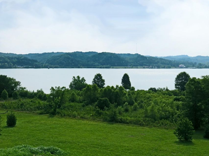 Photo of home for sale at 894 Harrison Ferry, Baneberry TN