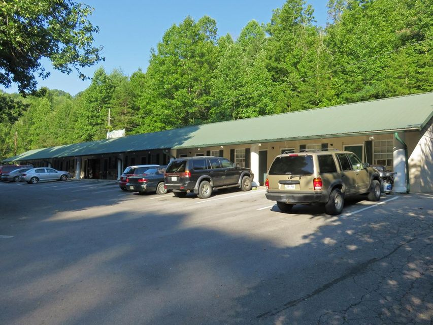 Photo of home for sale at 2020 Ridge, Pigeon Forge TN