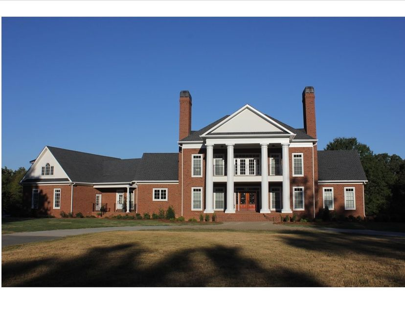668 SW Nelson Lake Rd, Calhoun, GA 30701