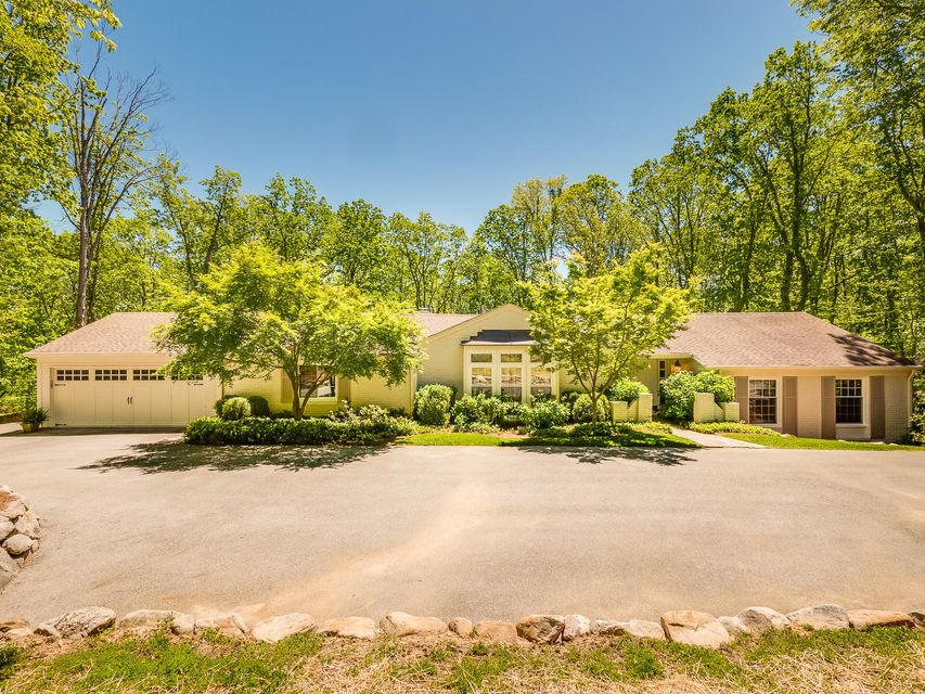 1301 Scenic Hwy, Lookout Mountain, GA 30750