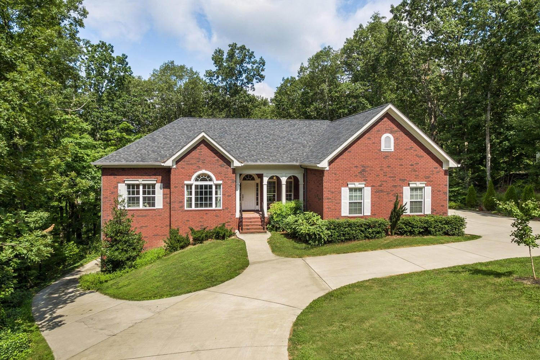 Photo of home for sale at 2405 Fox Run, Signal Mountain TN