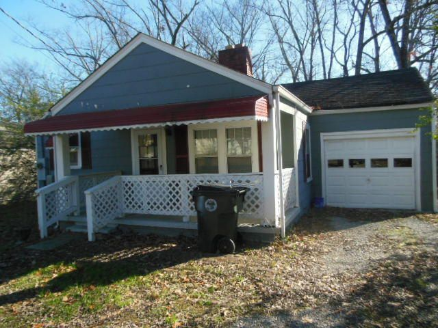 Photo of home for sale at 124 Moore N, Chattanooga TN