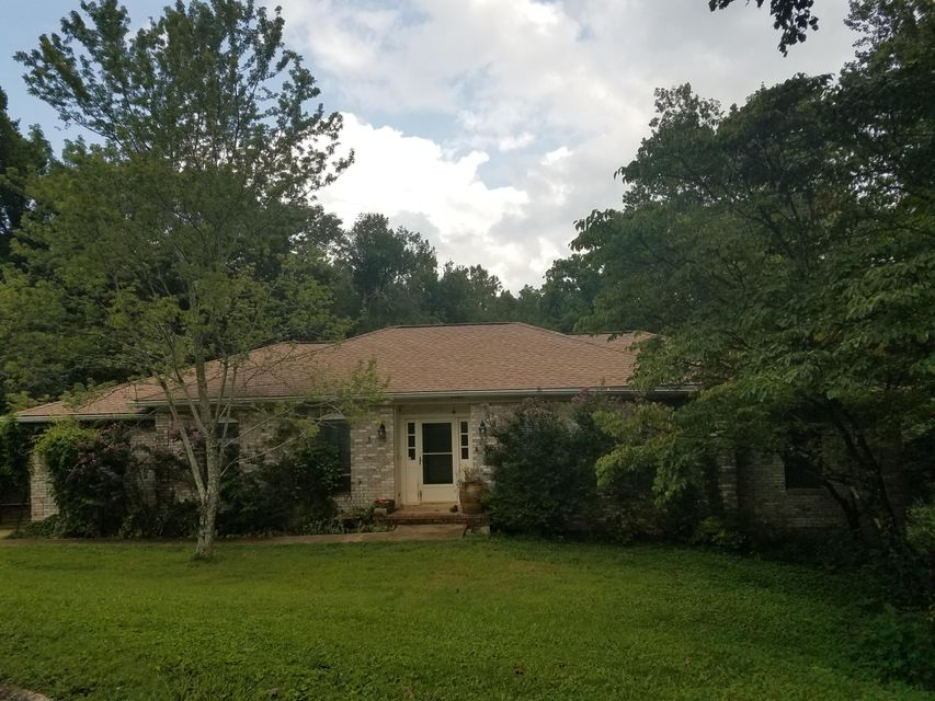 Photo of home for sale at 812 La, Chattanooga TN