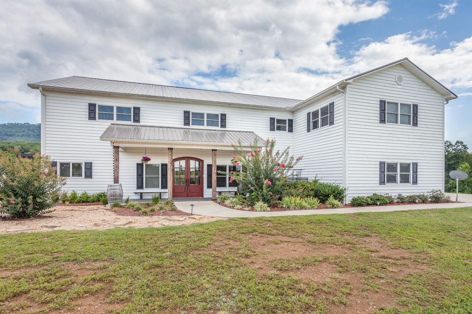 Photo of home for sale at 115 Creekside Farms, Benton TN