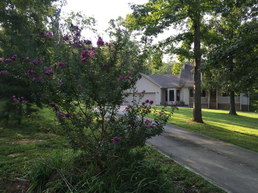 Photo of home for sale at 188 Young, Trenton GA