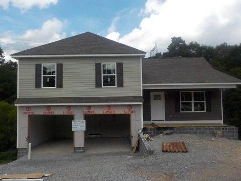 Photo of home for sale at 1781 Short Leaf, Soddy Daisy TN