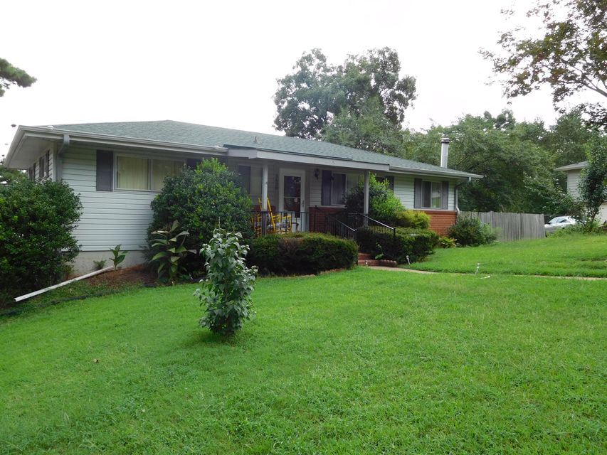Photo of home for sale at 3638 Phelps, Chattanooga TN