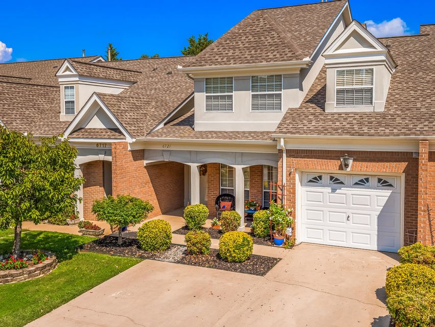 Photo of home for sale at 6721 Willow Brook, Chattanooga TN