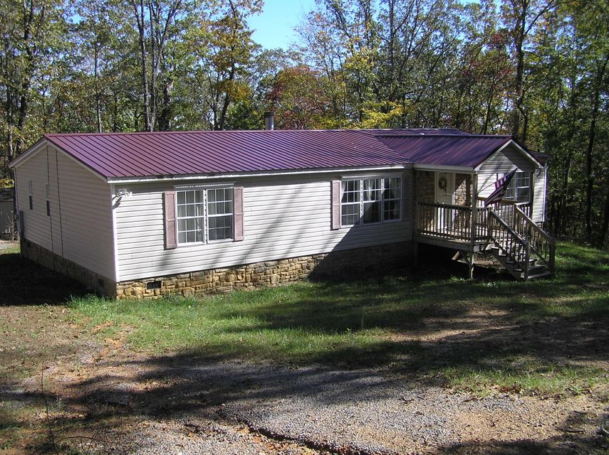 Photo of home for sale at 332 Evening Shade, Graysville TN